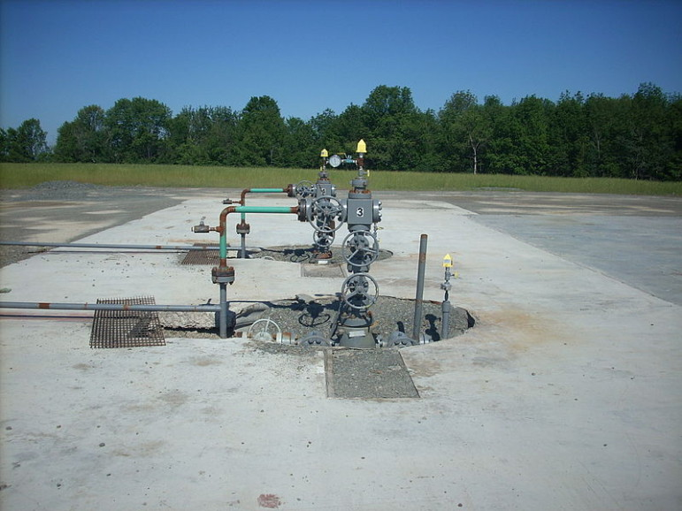 Gas well at the Marcellus Formation. Credit: Gerry Dincher/Creative Commons