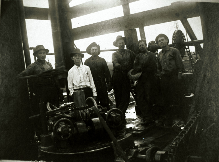 Rotary Drilling Rig Crew, Spindletop Oil Field, Beaumont, Texas c.1905