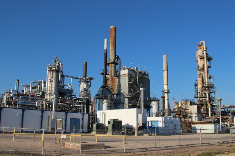 A refinery operated by Alon USA Energy in Big Spring, Texas. Alon is one of four refiners that have formed a lobby to oppose major oil companies that want the ban on the export of US crude oil repealed.