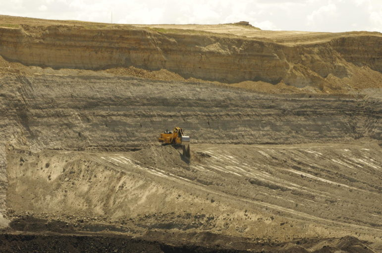 A shovel moves overburden at Alpha Natural Resources' Eagle Butte mine, outside of Gillette, Wyoming. File photo, August 2014.